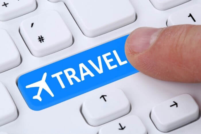 Keyboard travel button